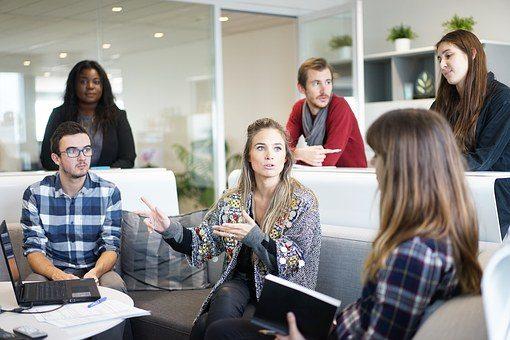 Gesprekstechnieken voor leidinggevenden (8): bevraag medewerkers over hun (belemmerende) gedachten