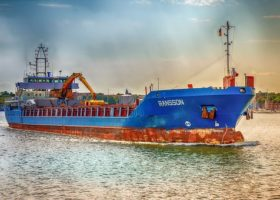 Pensioenfonds Koopvaardij haalt bakzeil: schepen Greenpeace zijn pleziervaartuigen